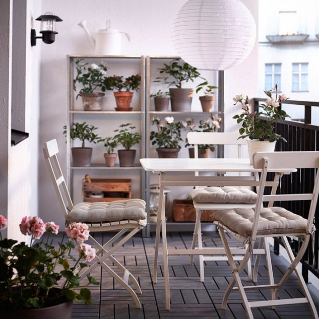 17 Awesome Ideas Anyone With A Small Balcony Can Enjoy | Juz Interior